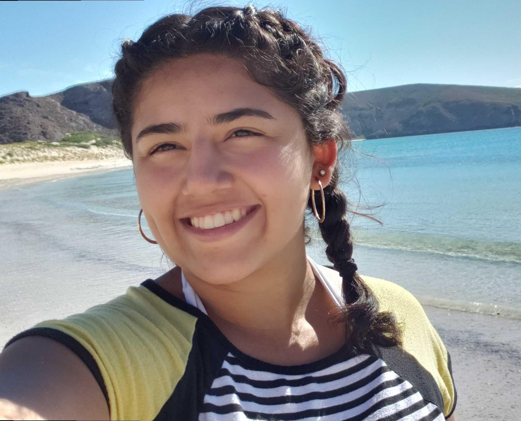 Gloria Arellano : Master's Student